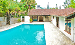 One-level Private Home with pool and large garden for sale in Escazu